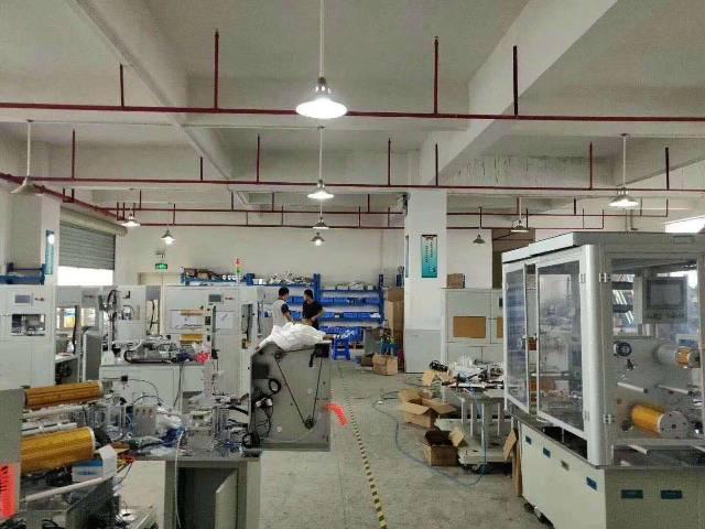 松岗大田洋新出楼上带精装修厂房低价出租。。