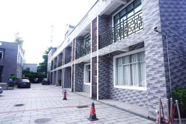 广州天河车陂地铁口带装修办公家私280平办公室转租