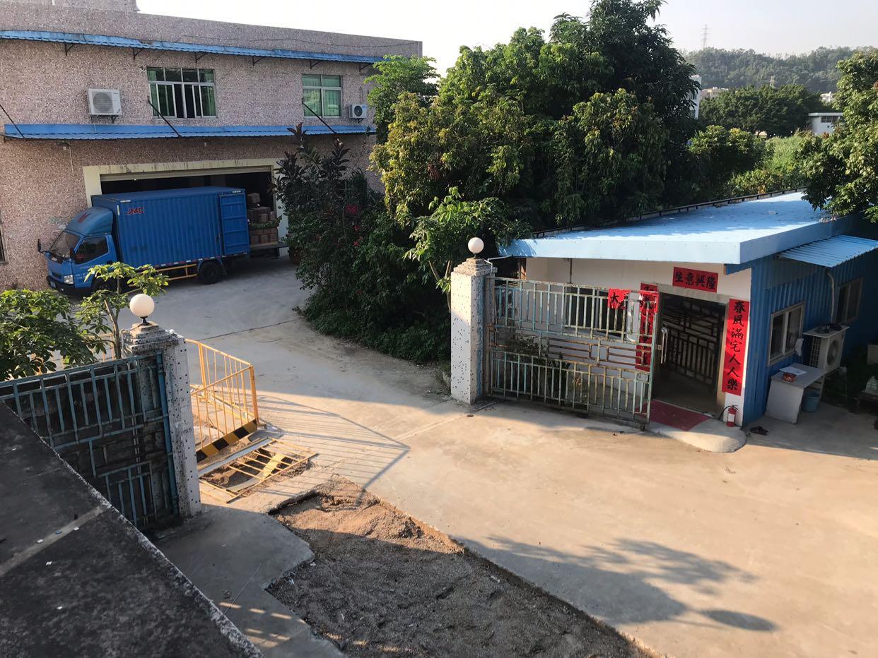 坪山碧岭原房东厂房2楼1400平,分租700平,也可作仓库。