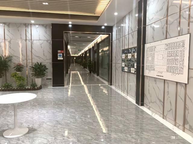 广州黄埔鱼珠地铁口两百米精装写字楼拎包入住