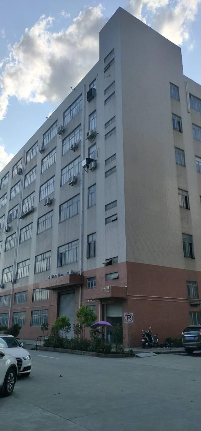 龙华1500平厂房仓库出租,一部2吨电梯,有吊机口