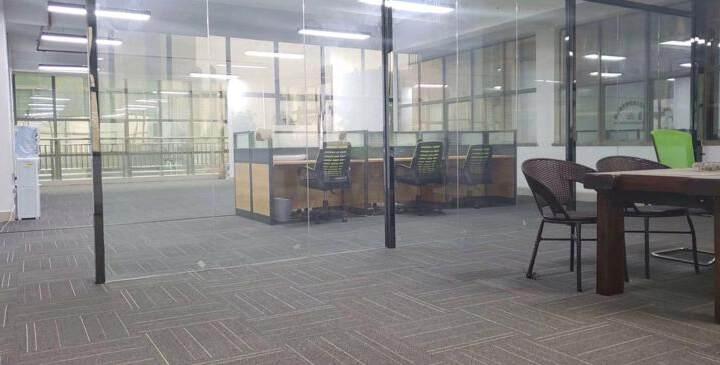 观澜社保局旁边,东昌国际大厦精装修写字楼出租图片3