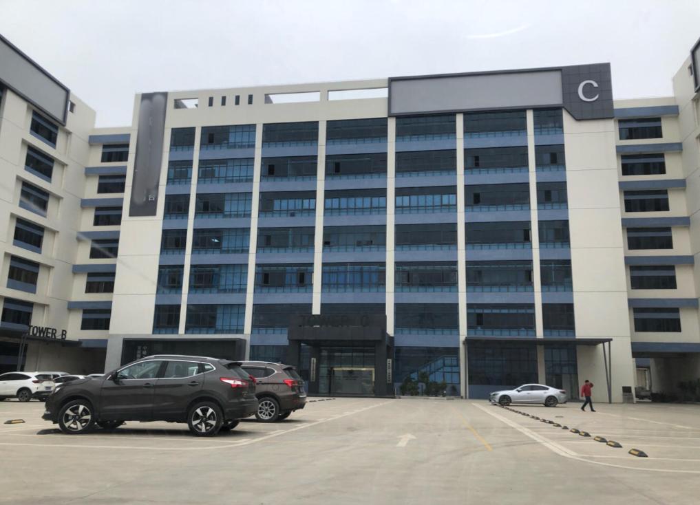 塘厦科苑城楼上1000平方带豪华装修现成办公室