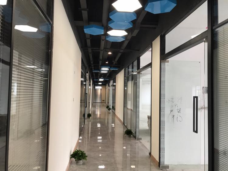 清湖地铁口全新装修办公室厂房仓库出租100平~1000平