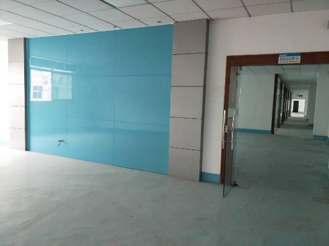 公明原房东楼村2200平米带装修厂房出租价格便宜