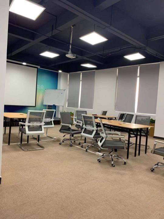 天河区一手房东广棠精装修办公室1200平,免费配家私出租