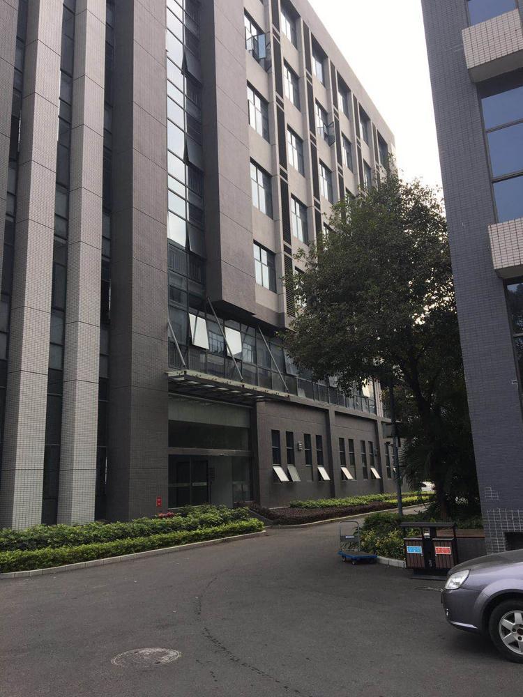 大朗松山湖原业主高大尚厂房分租1-5层5600平方米