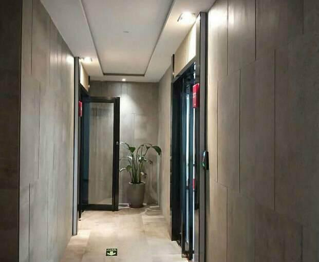 广州市天河区员村精装修带家私办公室图片2
