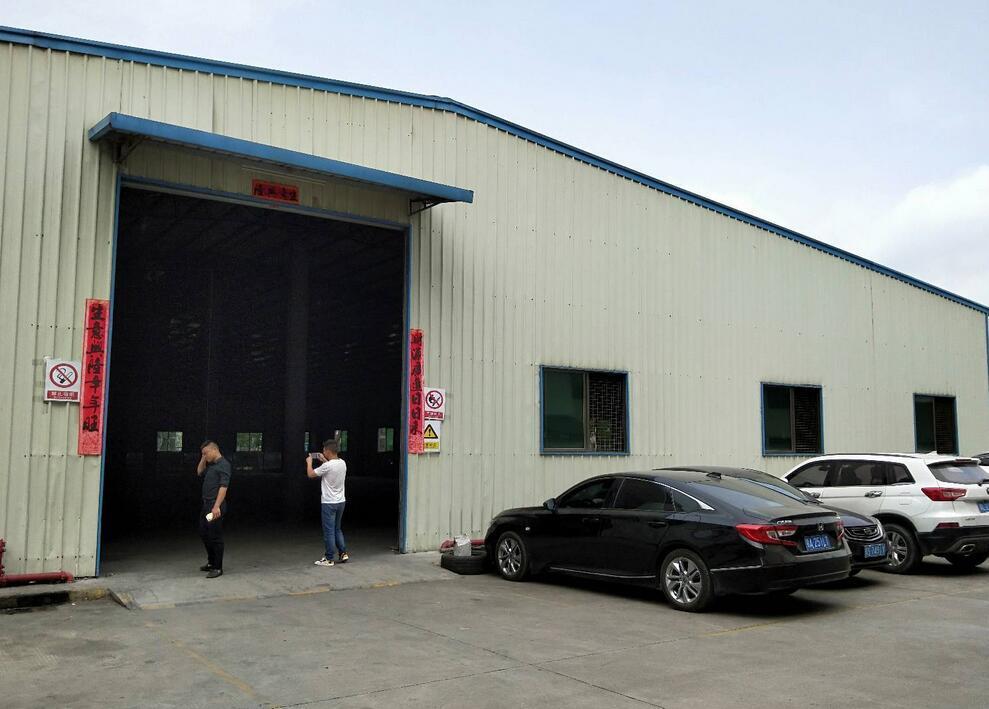 龙华新出8米高钢构厂房2300平方出租