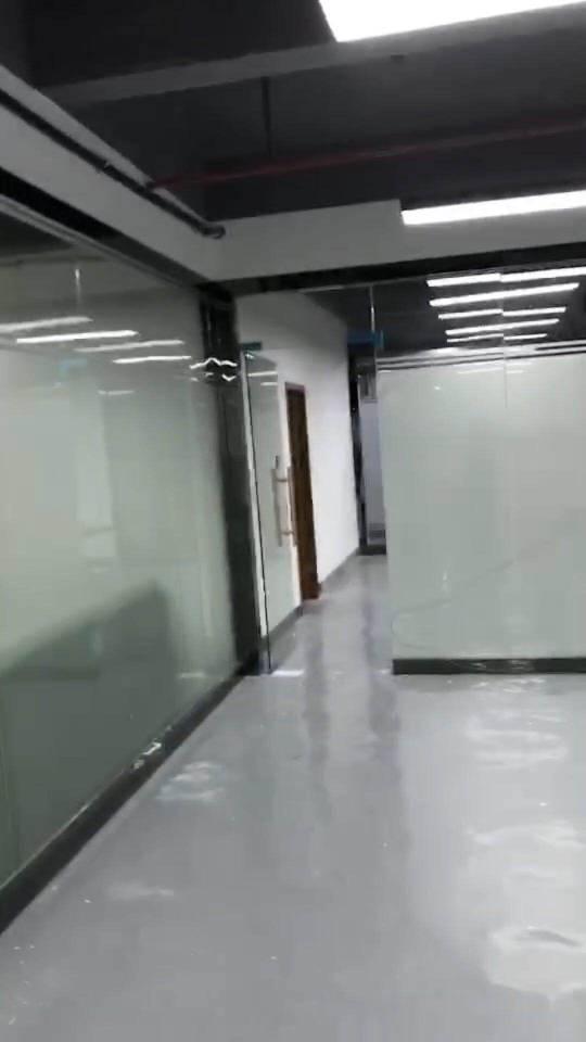 布吉木棉湾红本写字楼1500平大小可任意分租