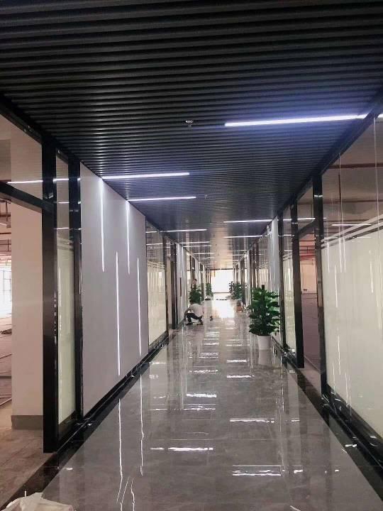 横岗六约地铁口红本厂房10万平大盘来袭,大小分租