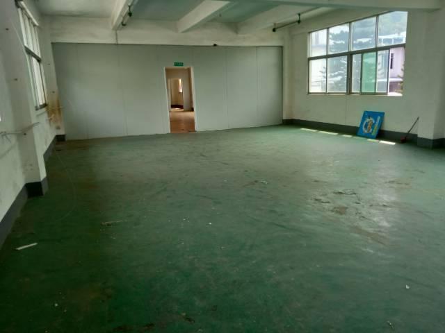 平湖白泥坑三楼420平方厂房出租