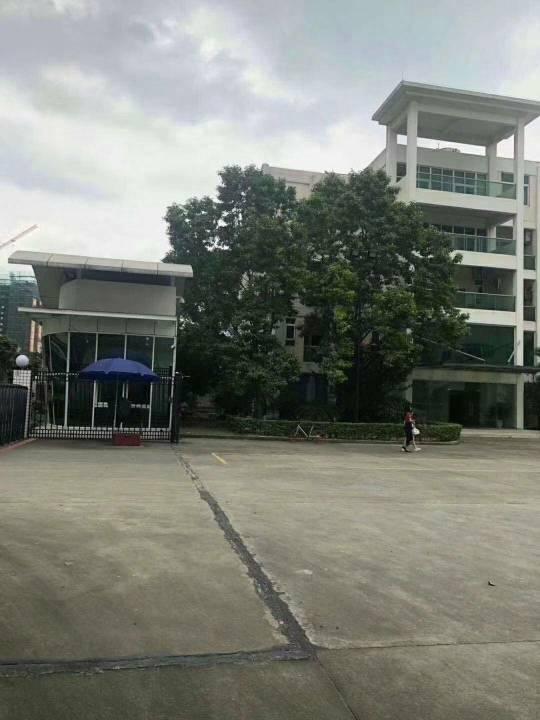 清溪镇三中附近一楼5200平方可仓库空地超大