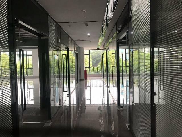 广州天河黄村地铁口200米精装写字楼150-2000