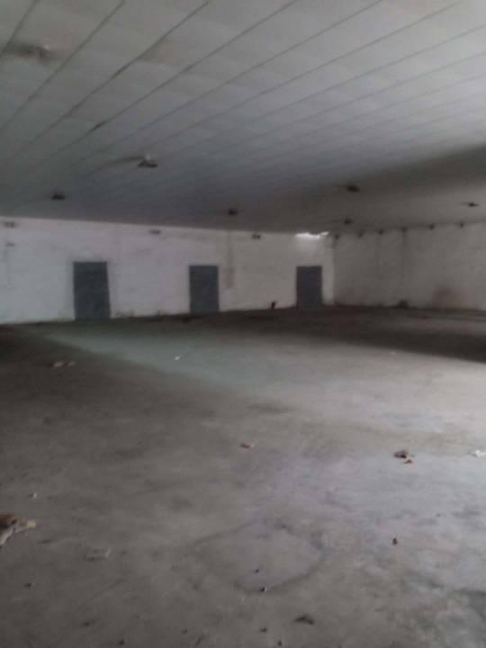 单一层仓库800㎡15元低价出租