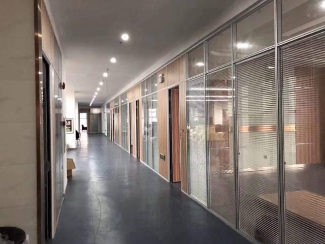 坪山高铁站附近800平米精装修写字楼招租