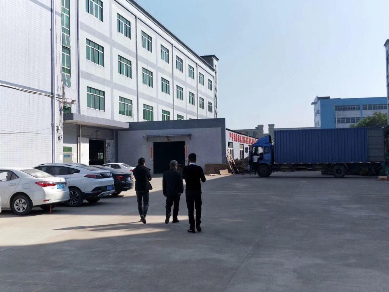 坪山天虹科技园一楼厂房出租1350平方高5.5米