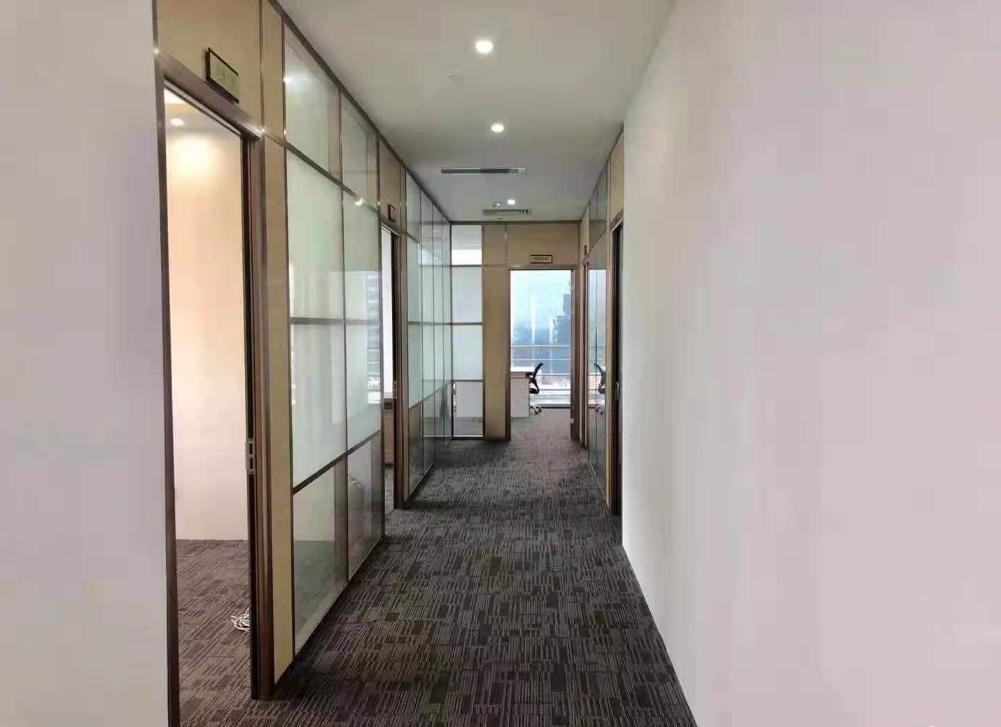 沙井精装办公室80平起租可拎包带空调家私红本