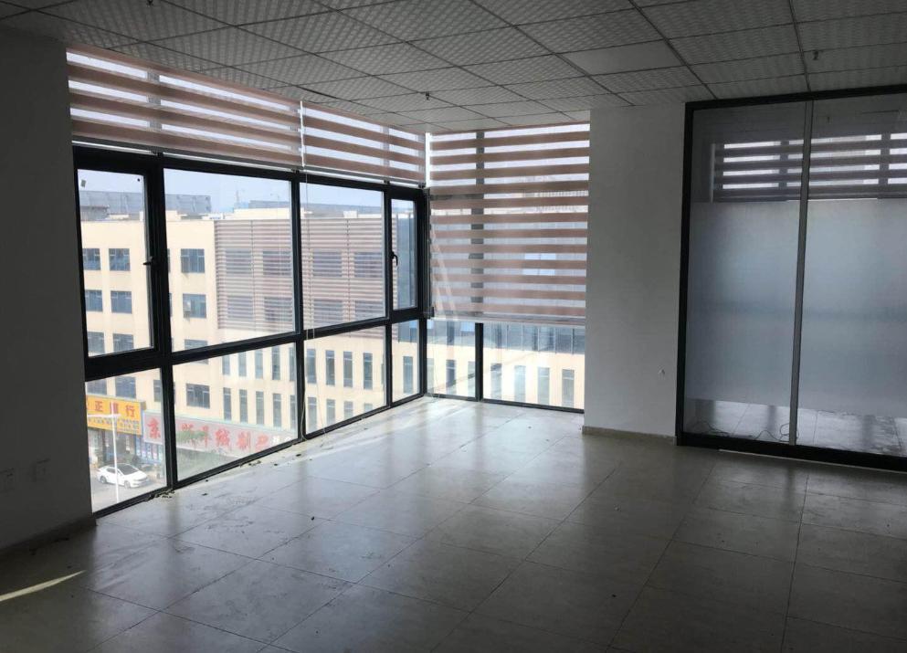 沙井万众空间带办公家具空调有隔间100平和76平