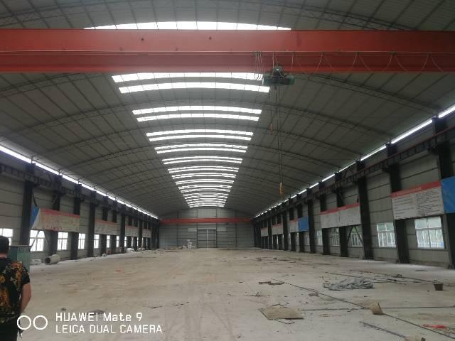 博罗县12米高现成大吨位行车钢构厂房招租
