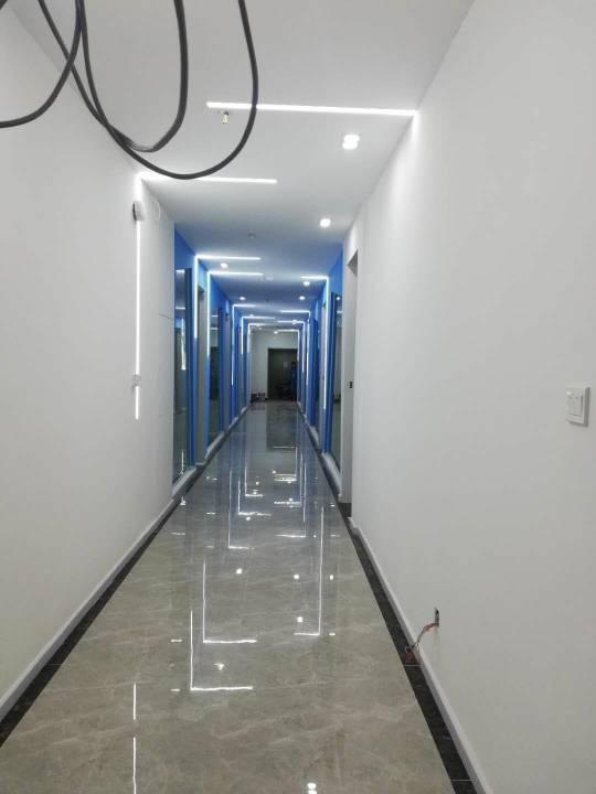 沙井地铁口全新写字楼15平800元