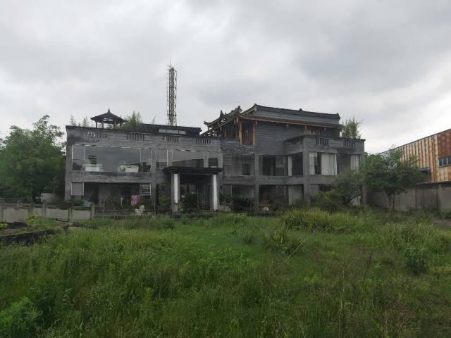 都江堰独门独院厂房出租。