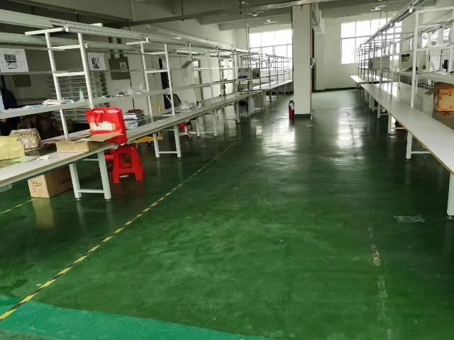 平湖辅城坳标准厂房400平带装修