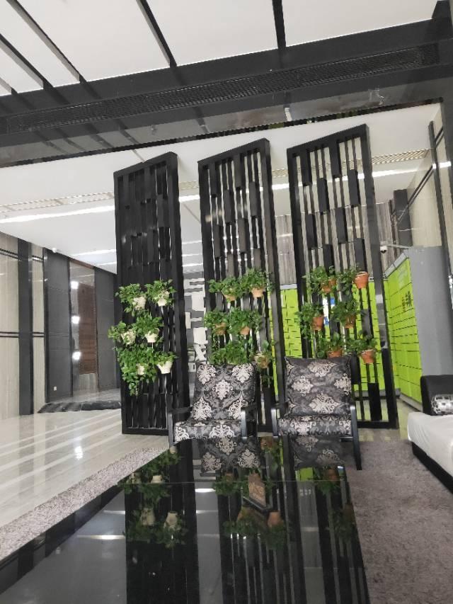 近地铁站独栋700平写字楼出租可分租