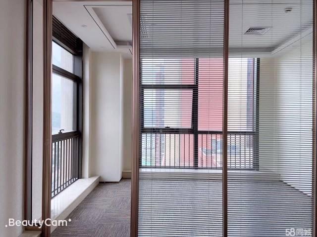 横岗六约地铁站配套齐全600平精装修办公楼出租