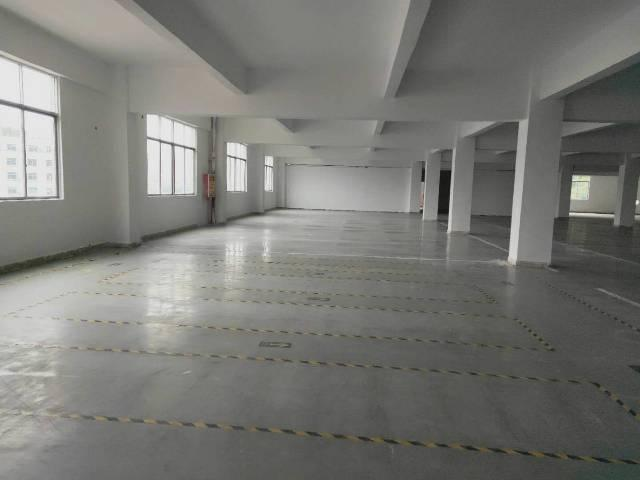 光明南庄松白工业园2楼1100平方装修厂房出租