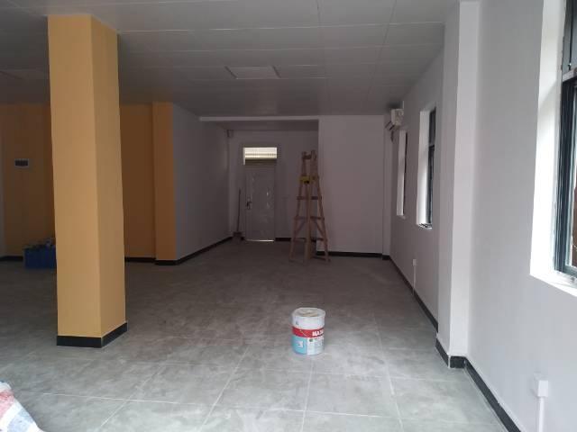 横岗六约深坑新出一楼仓库238平带装修厂房出租