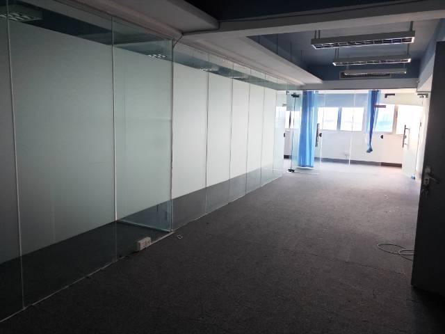 广州北站附近精装修带家具305平写字楼可分租