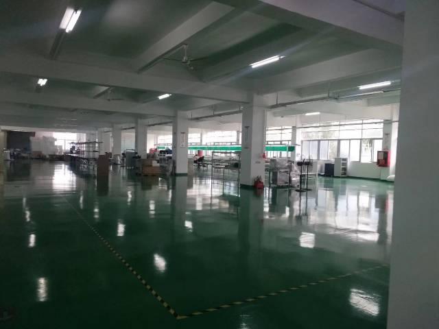 深圳市石岩水田原房东实际面积精装修地坪漆900平米厂房出招租