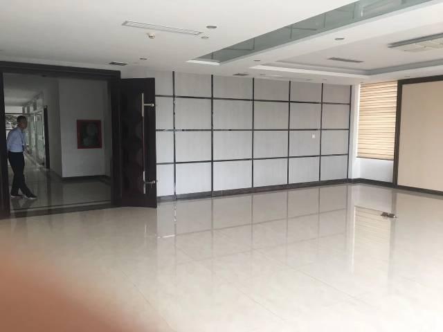爱联办公贸易200平方招租