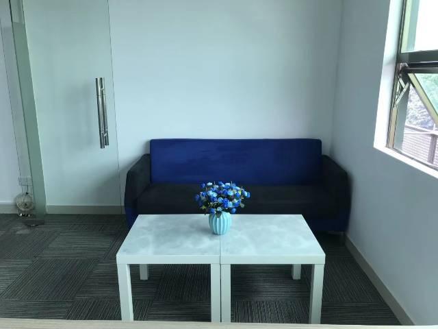 带家私、隔间,65平,观澜创业办公写字楼,形象好