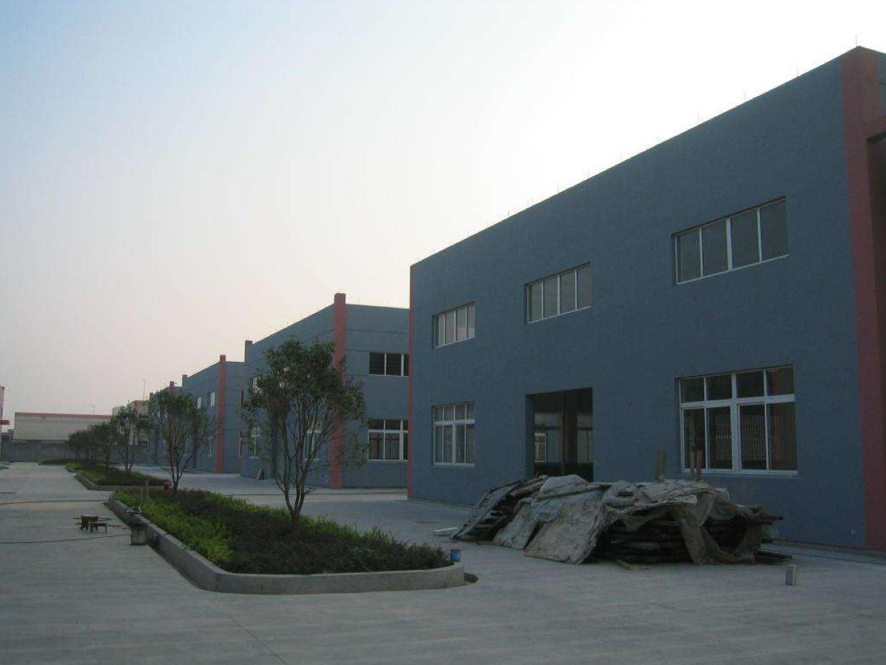 大岭山镇新出单一层钢构厂房每栋4580平方低价急出租