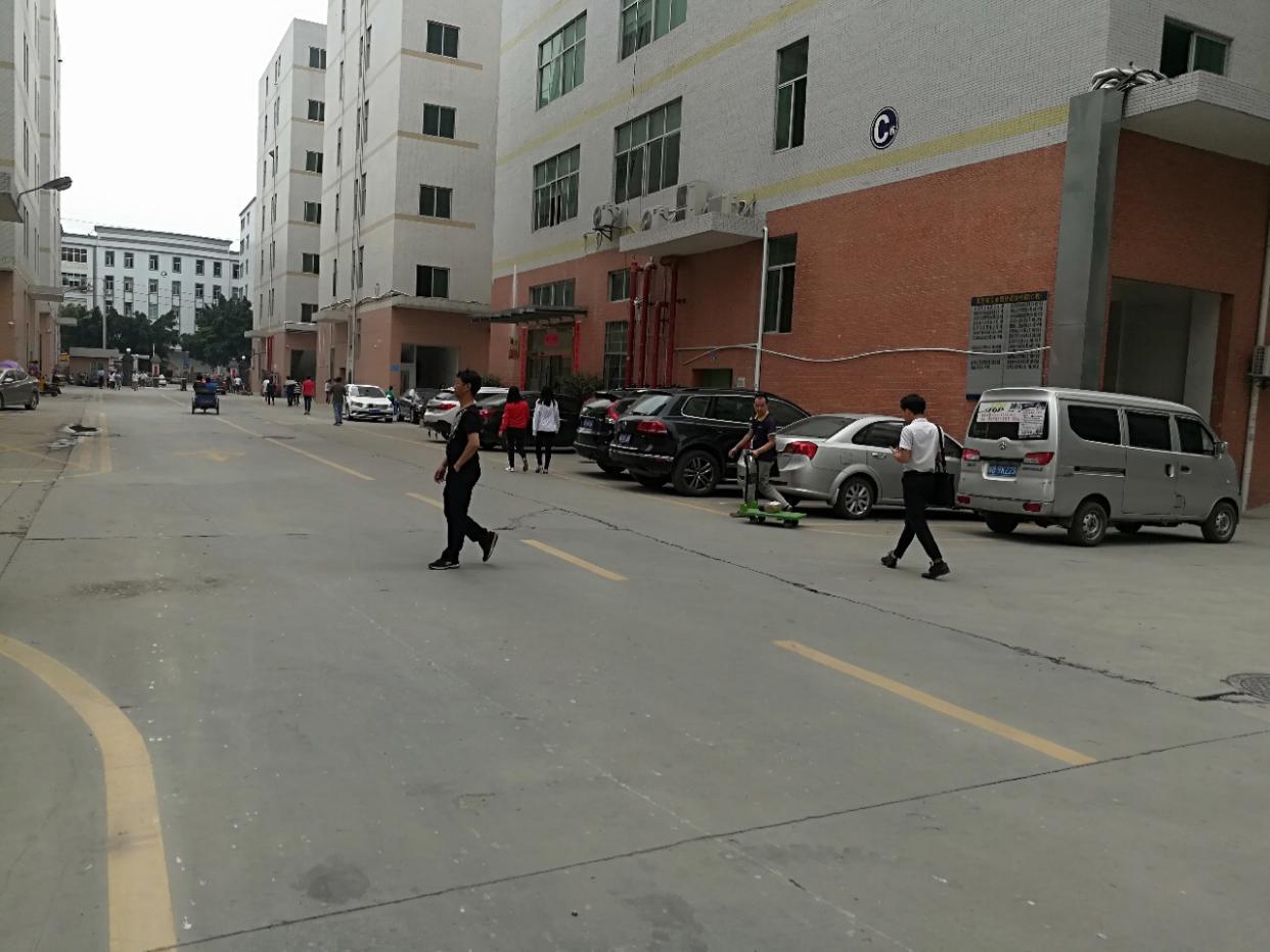 (出租)塘厦莲湖工业园二楼出租一层2500平独立电梯租
