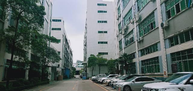 龙华新区大浪商业中心旁边新出楼上精装厂房520平,水电到位