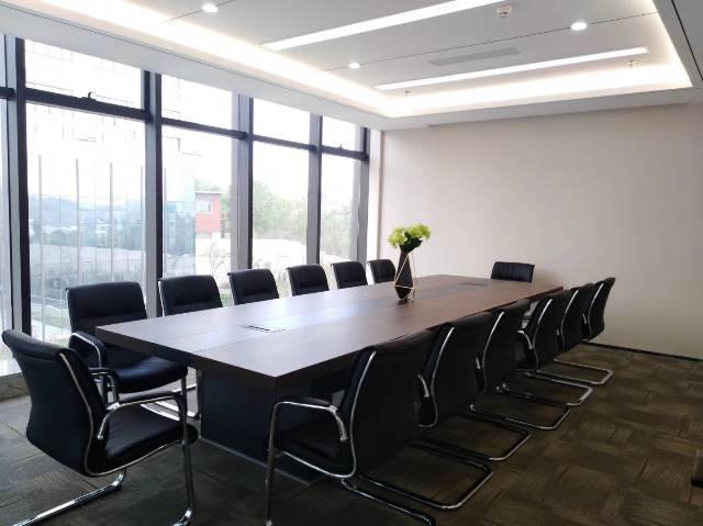平湖华南城旁金融中心精装写字楼出租共2万平米