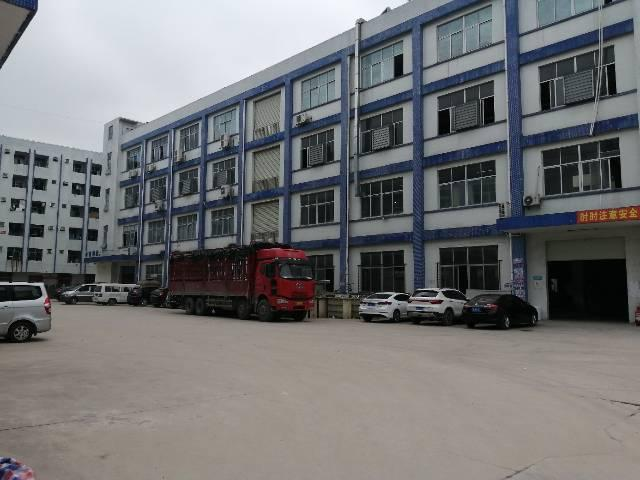 惠阳新圩靠近深圳二公里工业楼上1680平可分租证件齐全