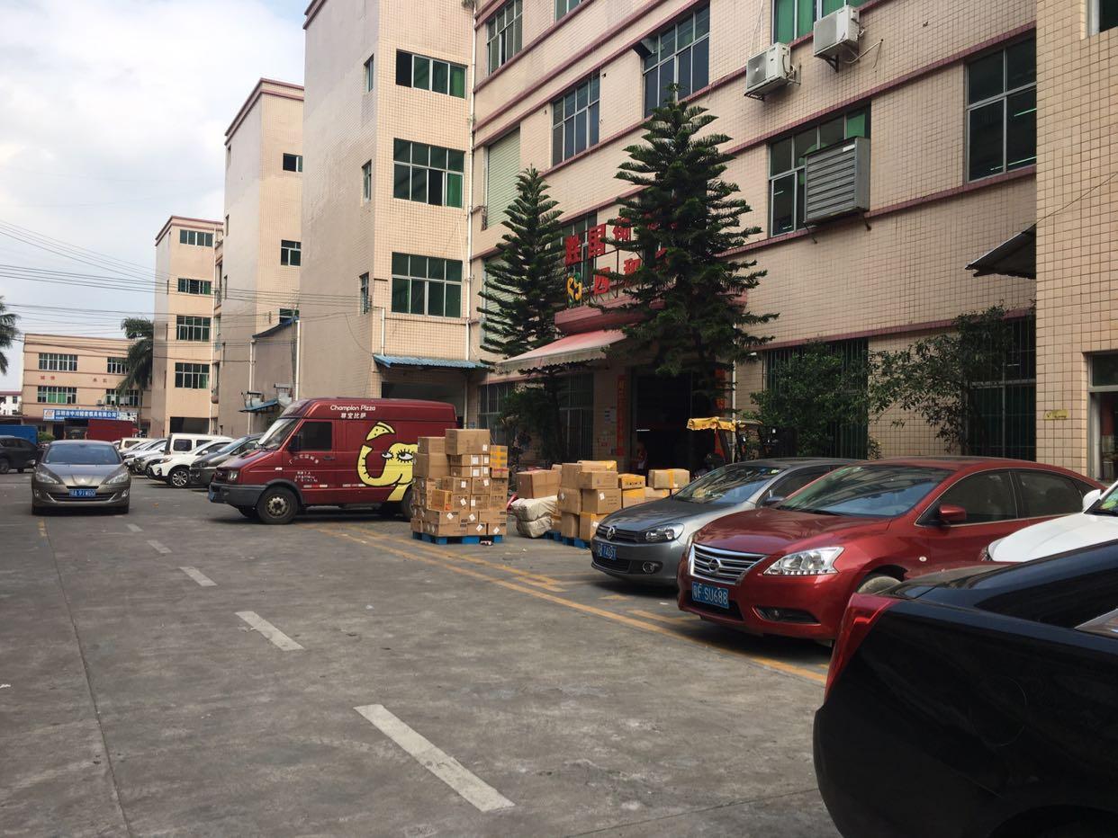 平湖罗山工业区新出3楼原房东标准厂房1500平