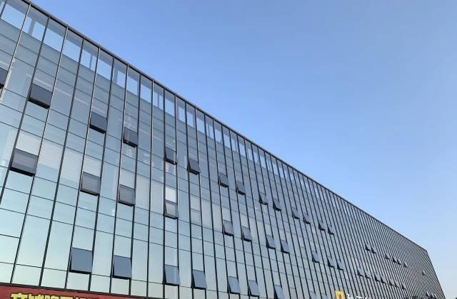 五和写字楼玻璃幕墙精装高端大气