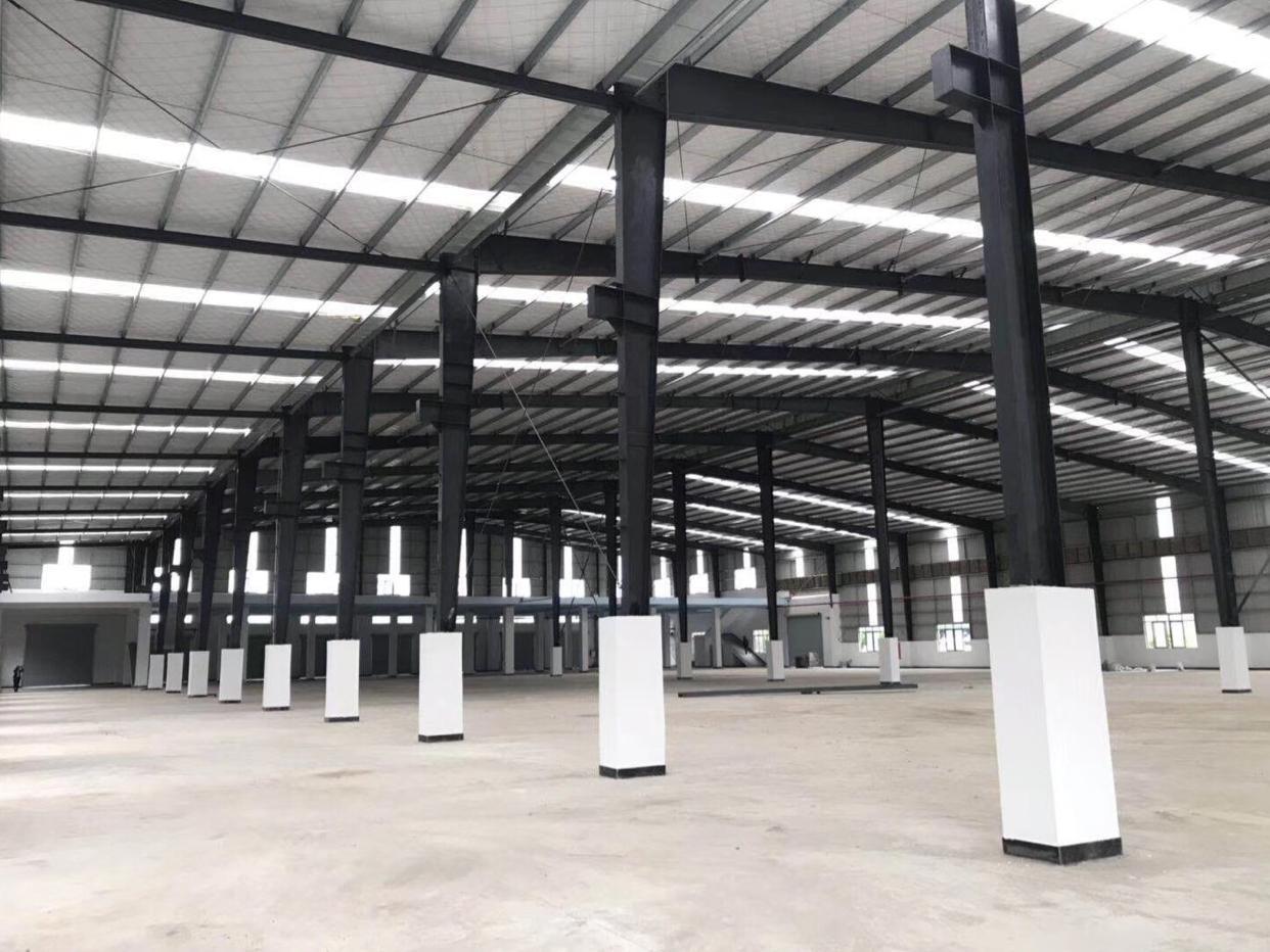 万江107国道旁新建钢构厂房带牛角可分租
