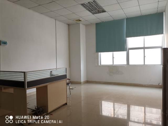 福永桥头地铁站附近高新产业园楼上1300平米出租