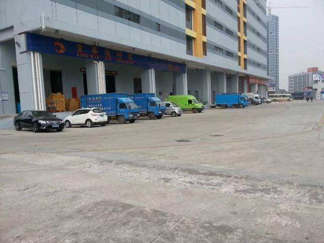 平湖华南城旁一楼物流仓库出租5000平米,适合物流等