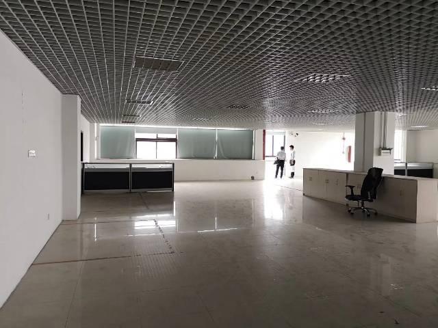 天河区一手房东广棠精装修办公室1400平,配家私出租
