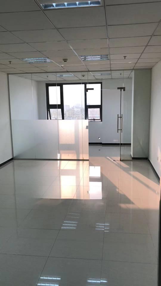 165平精装修带3+1玻璃隔间,梅观高速口交通便利