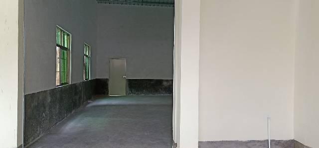 原房东独门独院两层小厂房300平米,精装修带现成办公室!!
