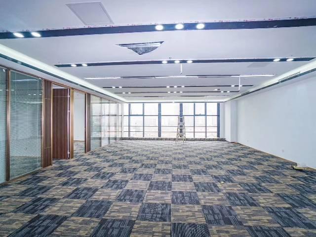 天河区黄村地铁口B出口50距离可做培训办公贸易办公室出租