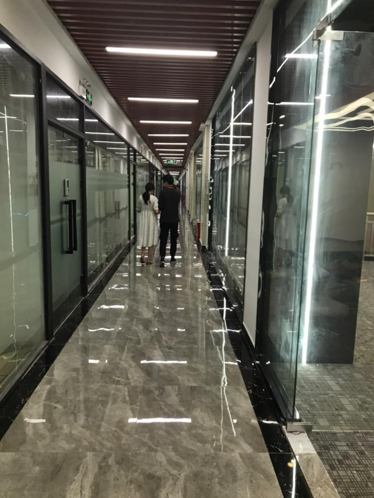 龙华民治商业中心